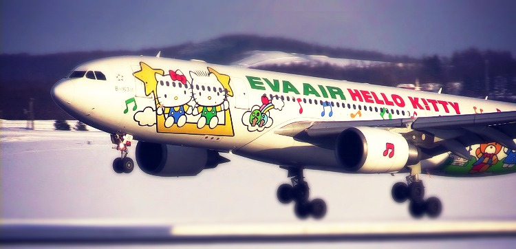 eva-airl-hello-kitty