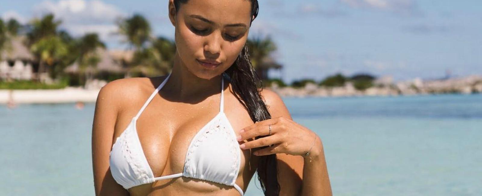Φωτογραφίες του καυτά σέξι κορίτσι μελαχροινή μεγάλη λεία έβενο