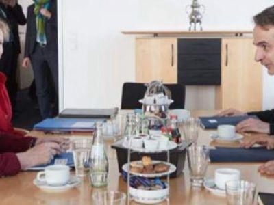 Ο Κυριάκος ζητιανεύει περικοπές συντάξεων από την Μέρκελ