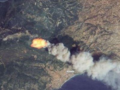 Η μεγάλη φωτιά στην Κινέτα από δορυφόρο