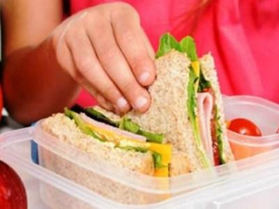 Τι θα γίνει με τα σχολικά γεύματα