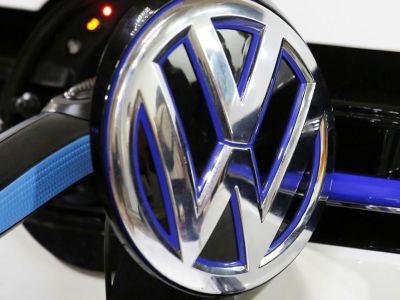 Η Volkswagen το γυρίζει στον ηλεκτρισμό