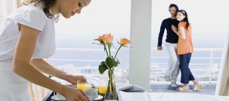 Έρχονται αυξήσεις για 114000 ξενοδοχοϋπάλληλους