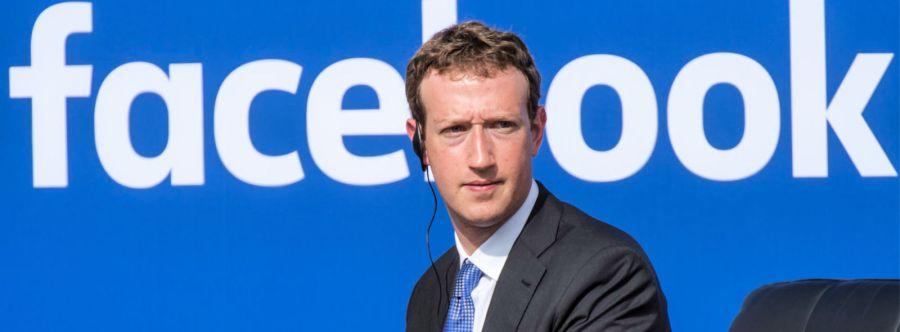Το Facebook καταρρέει, ζητούν απομάκρυνση Zuckerberg