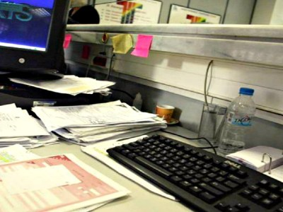 Καμπανιά 1000 ευρώ σε όσους δεν δηλώσουν επαγγελματικό λογαριασμό