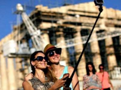 Αύξηση στα ταμεία λόγω τουρισμού