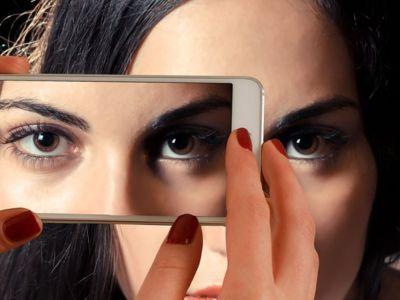Μανούλες οι Ελληνίδες στο sexting