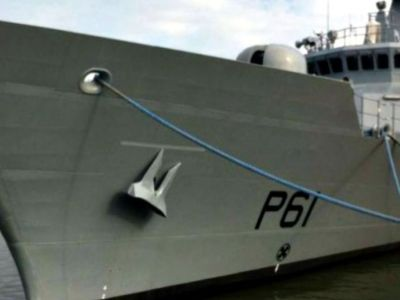 Πώς «παρκάρουν» τα πολεμικά πλοία;