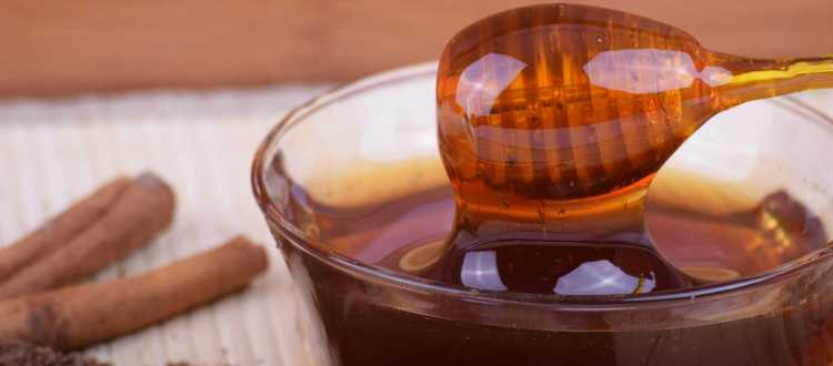 """Μέλι και κανέλα το καλύτερο """"φάρμακο"""""""