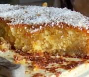 Σιροπιαστό κέικ καρύδας χωρίς αυγά και βούτυρο