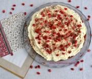 Εορταστικό κέικ με κρέμα λευκής σοκολάτας (VIDEO)