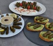 Τρεις σάλτσες (dips) για τα ντολμαδάκια μας (VIDEO)
