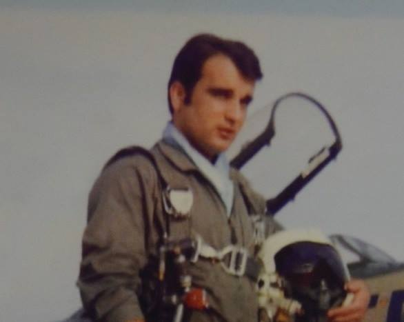 Ένας ήρωας που δεν γνωρίζουμε. Ο Ανθυποσμηναγός που θυσίασε την ζωή του για ένα ολόκληρο χωριό στην Κρήτη | Κρήτη & Κρητικοί - Crete & Cretans
