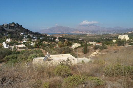 3 hilltop building plots in Kamilari