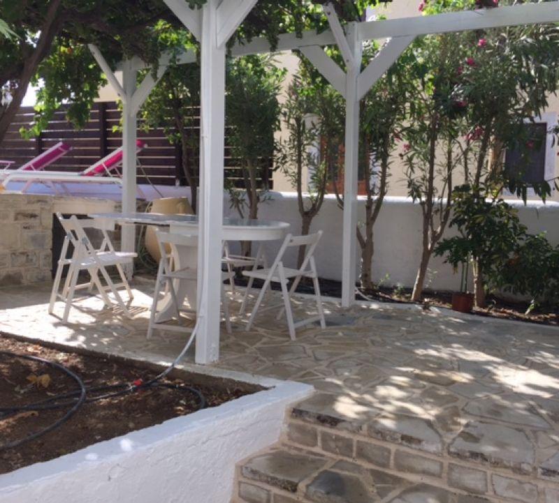 Pelekanos apartments and studios in Kamilari