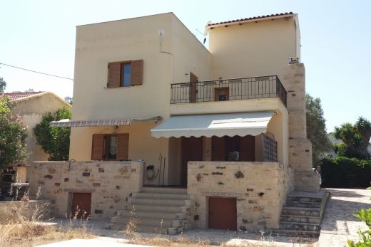 Two storey house in Pitsidia