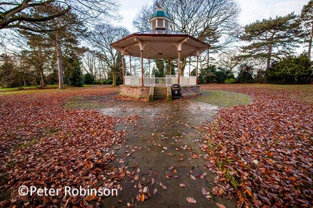 Quueens-Park-Bandstand-Peter-R-sm