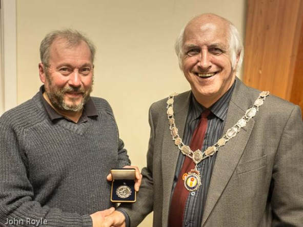 Ian (L)  receiving his PAGB Selector's medal from L&CPU President, John Smith.