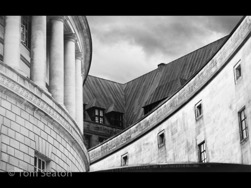 FR PDI_Tom Seaton – Curves and Columns-2