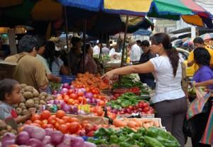 Ticos pagan diferencias de hasta 147% por bienes de la canasta básica. CRH