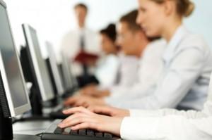 El Estado de la Nación señala que el pago de horas extra es incumplido por gran cantidad de empresas.