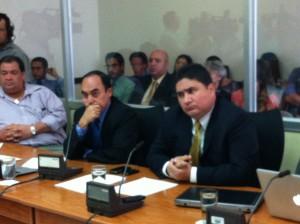 En la imagen, Pedro Castro, Ministro del MOPT. A si derecha, Edwin Rodríguez, del CNC. CRH