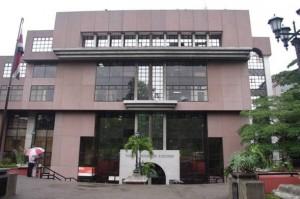 En la imagen el edificio del TSE.