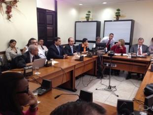 El ministro de Hacienda, Helio Fallas, anunció en la Comisión de ASuntos HAcendarios, una serie de acciones para frenar el gasto público.  CRH.