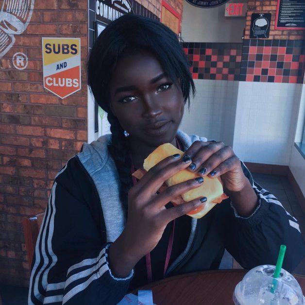 Resultado de imagem para barbie negra