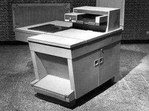 Xerox 914 Cribsa Barcelona Historia 300x225 Xerox, la primera fotocopiadora de la historia