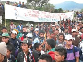 Tejiendo desde el corazon- los derechos humanos de los pueblos indigenas - 2009-2011