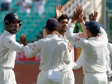 Indian new-ball bowlers, Umesh Yadav and Bhuvneshwar Kumar, helped India skittle Australia out for 137 in their second innings of the 4th Test