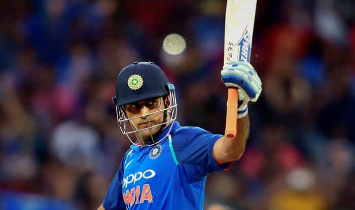 MS Dhoni: Twitterverse Unites in Support of Former India Captain to Win ICC Spirit of Cricket Decade Award
