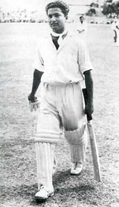 Hanif Mohammad returning to the pavilion after his epic knock