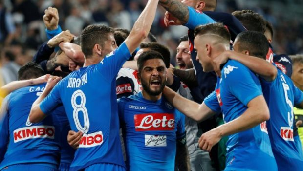dramatic-napoli-winner-puts-pressure-on-juventus