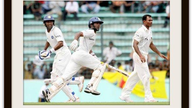 Indian cricketers Wasim Jaffer (L) and Dinesh Karthik