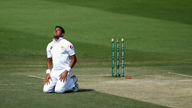Mohammad Abbas of Pakistan reacts during day two of the Second Test match between Australia and Pakista
