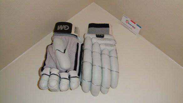GM 2012 original limited edition cricket batting gloves 2