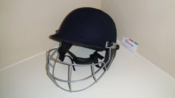 GM 2012 pro cricket helmet 2