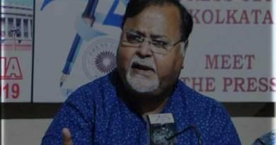 शारदा चिट फंड घोटाला: ममता के मंत्री पार्थ चटर्जी को CBI ने किया तलब