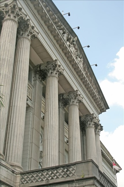 Courthouse-Pillars-Facing-Sky-595288