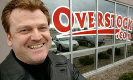 Overstock realiza cambios en su directiva y advierte sobre buenas noticias