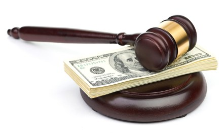 Bitfinex demanda a Wells Fargo por detener transacciones electrónicas con dólares