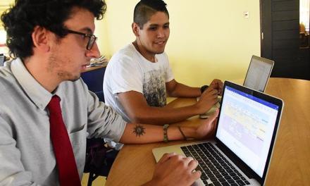 Dos estudiantes de Bolivia crean proyectos basados en blockchain para votaciones e historiales médicos