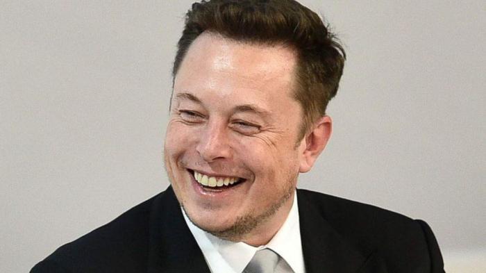 Satoshi Nakamoto aún entre las sombras: Elon Musk tampoco es el creador de Bitcoin