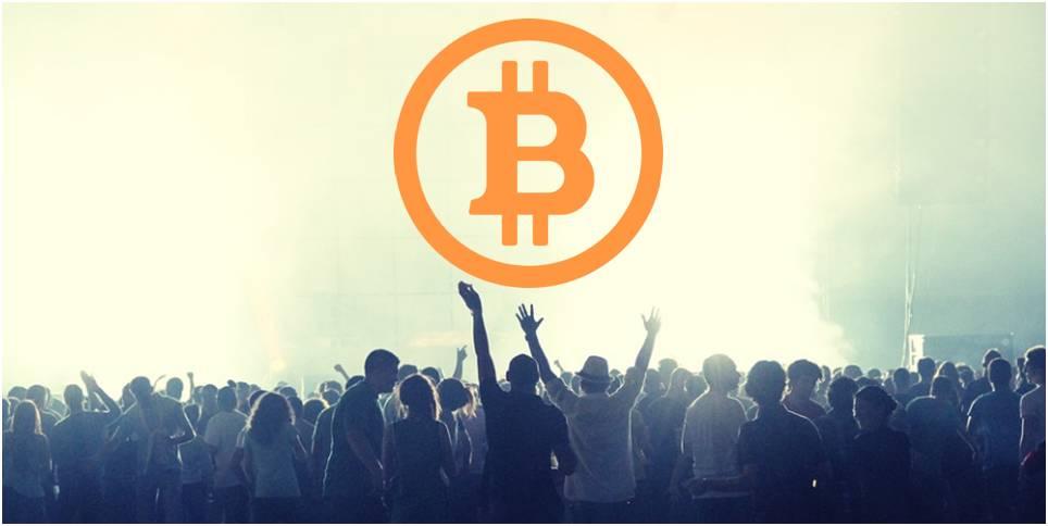 Bitcoin en la cultura de masas: de la Darknet a la luz del día