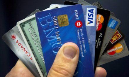 12 servicios de tarjetas de débito con bitcoin y otras criptomonedas alrededor del mundo