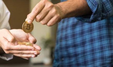 Billetes de bitcoins son el nuevo medio para el criptocomercio en Singapur