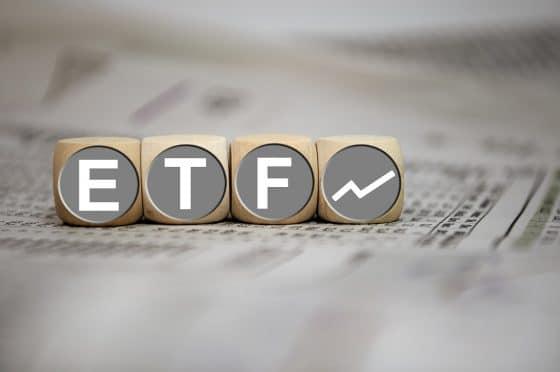SEC pospone 1 de las 3 decisiones de ETF de bitcoin para septiembre