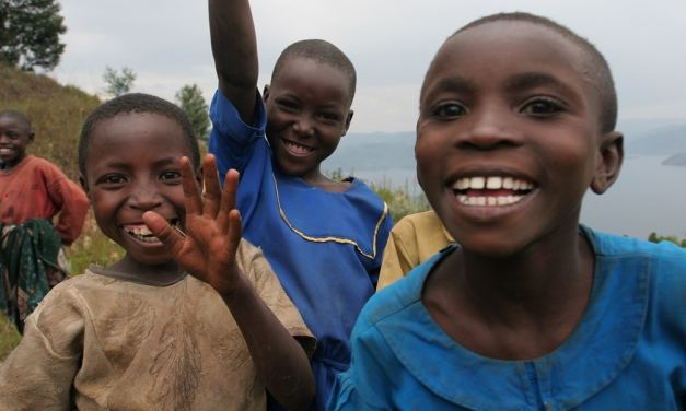 Proyecto #BuiltWithBitcoin sigue financiando construcción de escuelas en Ruanda
